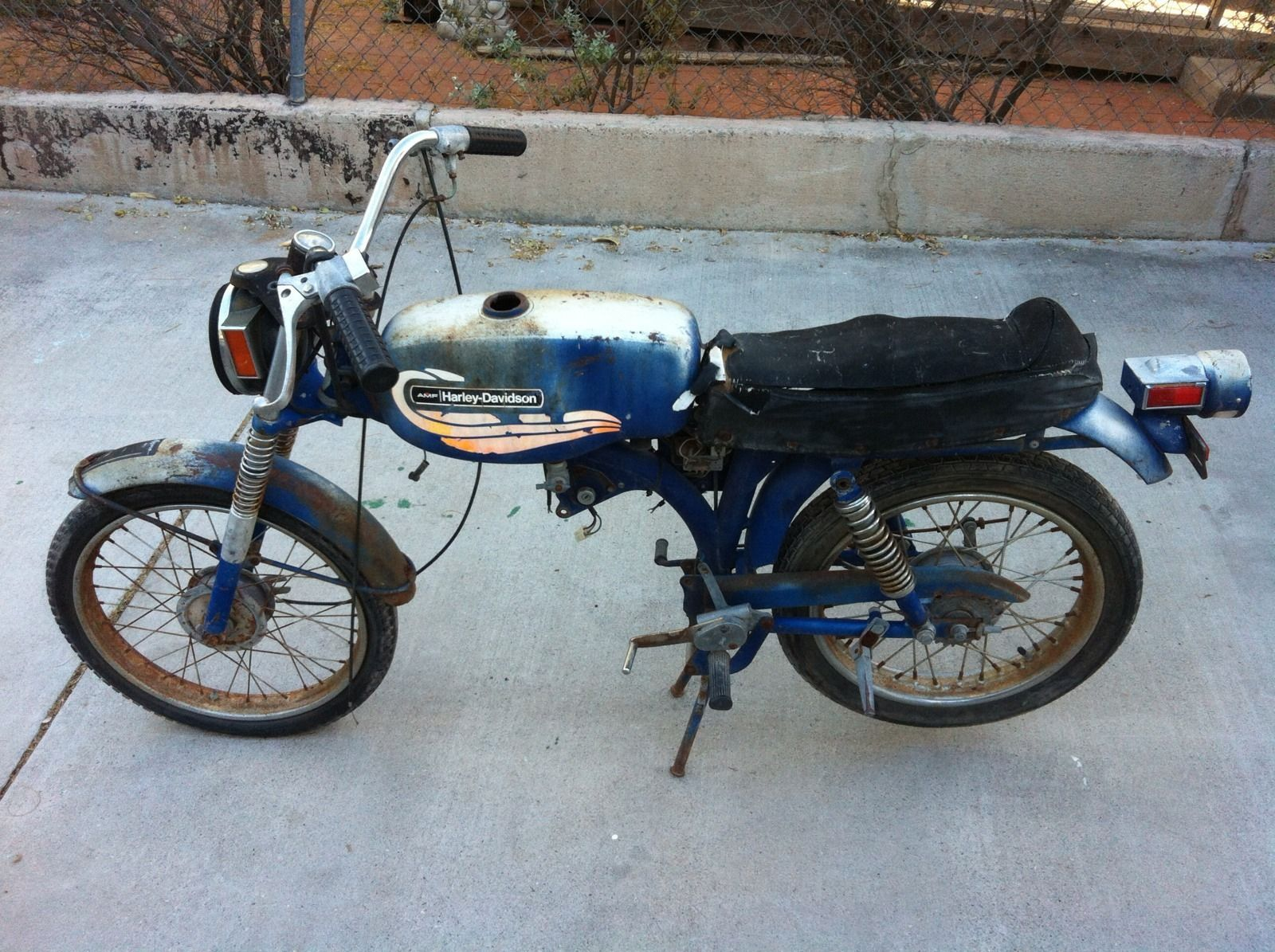 1972 Harley Davidson Leggero 65cc M65 Aermacchi Sportster rolling ...