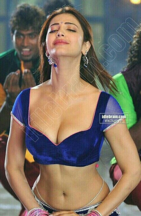Shruthi Hassan Sexy Boobs And Navel