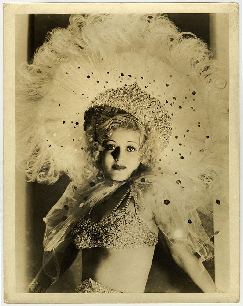 foto Louise Henry (actress)