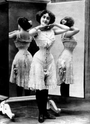 8acb49189 1870. Cintura de avispa  Breve historia de la ropa interior ...