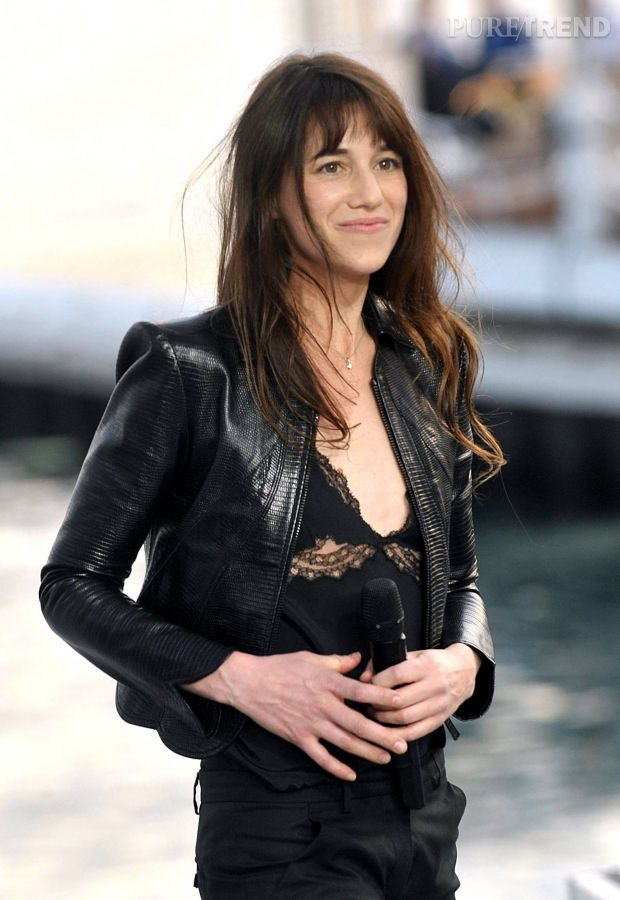 Charlotte Gainsbourg en 2010 - all black outfit