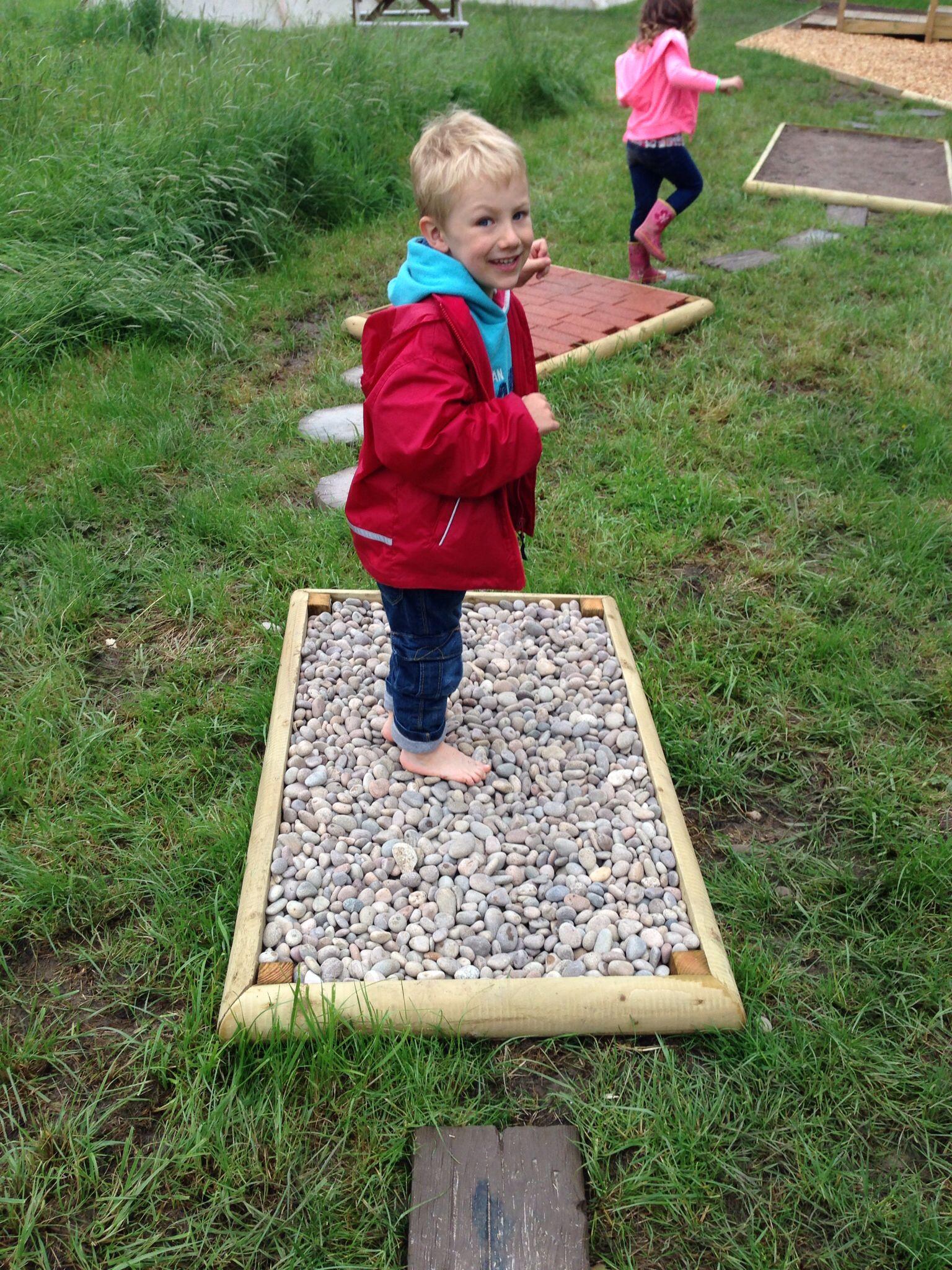 Barefoot Sensory Trail Jardin Therapeutique Jeux Exterieur