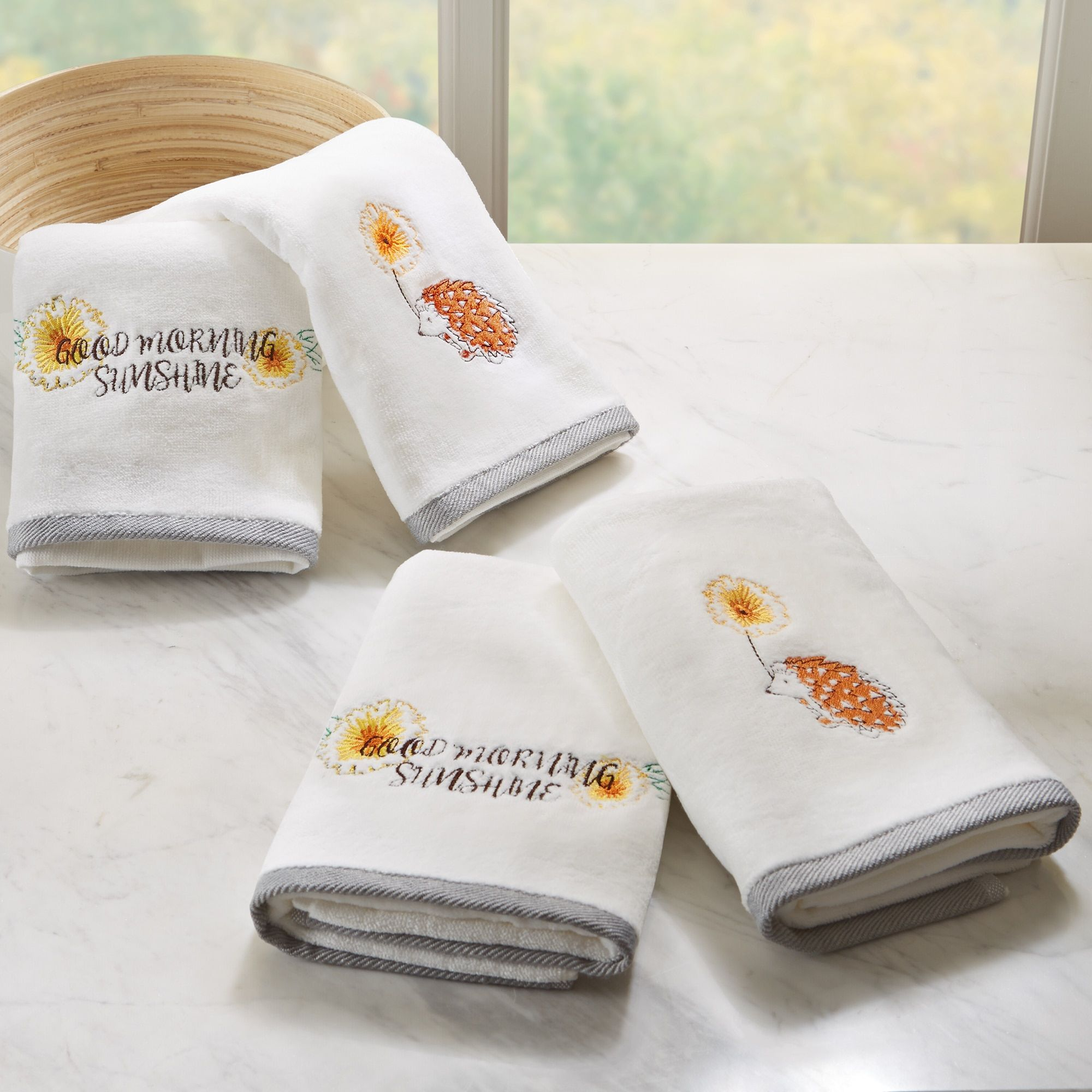 HipStyle Happy Hedgehog Embroidered Hand Towel