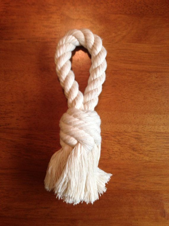 how to make a woven rope bone dog toy geschenke f r hund und katze pinterest. Black Bedroom Furniture Sets. Home Design Ideas