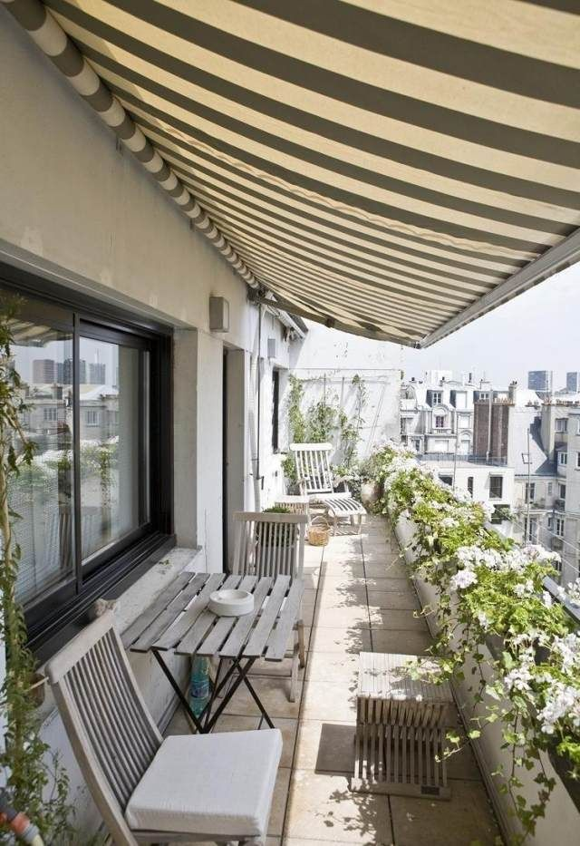 tipps balkongestaltung markise onnenschutz efeu geländer Front - balkon ideen blumenkasten gelander