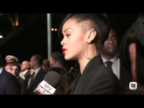 EasyWish Minimal Woman | Rihanna interview at 'Battleship' red carpet in Sydney, Australia