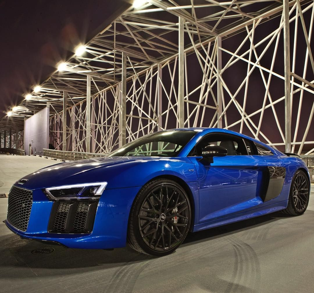 Charmant Car: 2017 @Audi R8 V10 Plus (610hp V10 5.2 NA) Performance:  0 100kmh(62mph): 2.87seconds (tested) 3.2 Seconds (official) Color: Macaw /  Ara Blue Crystal ...