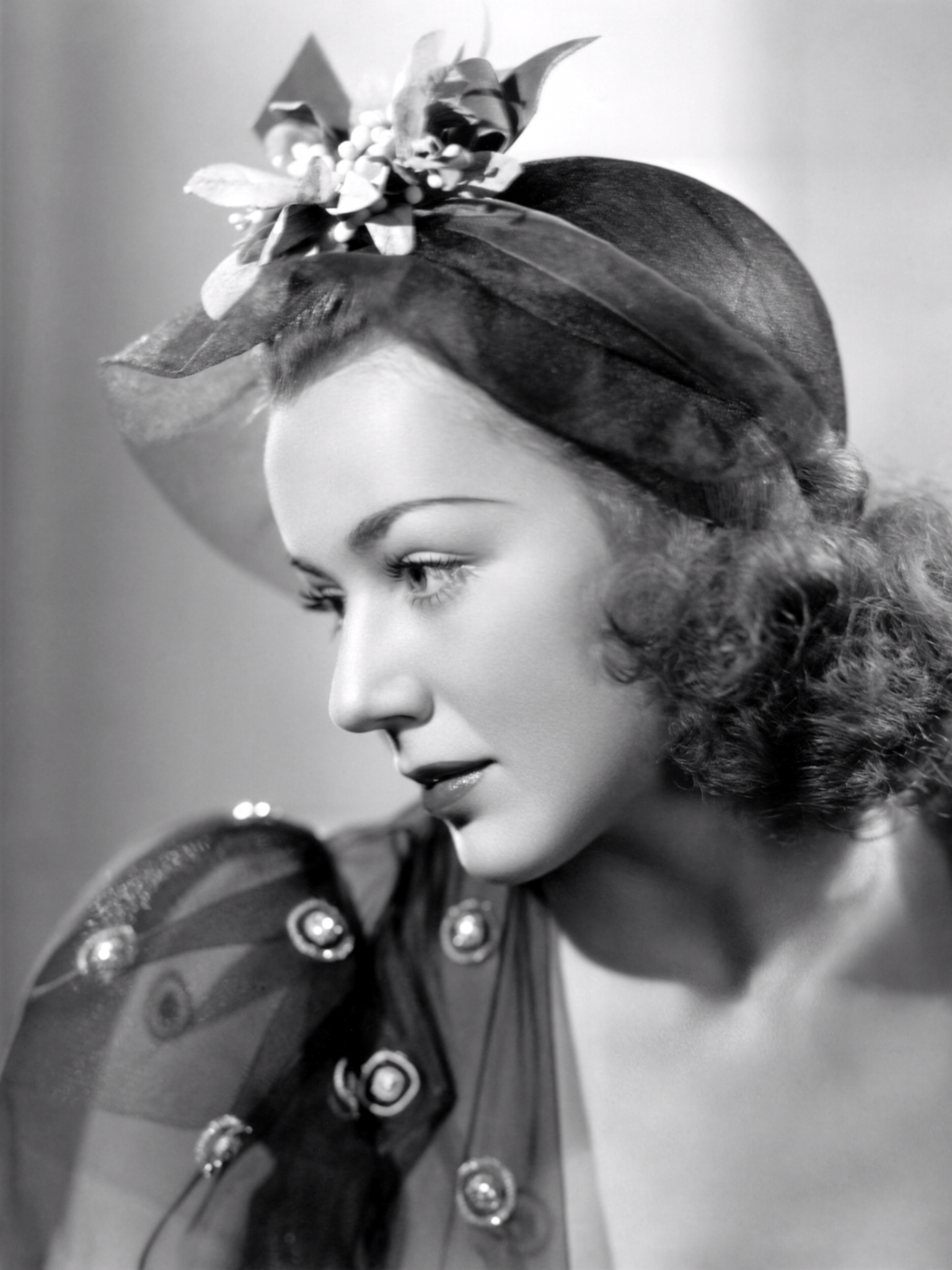 Watch Anne Shirley (actress) video