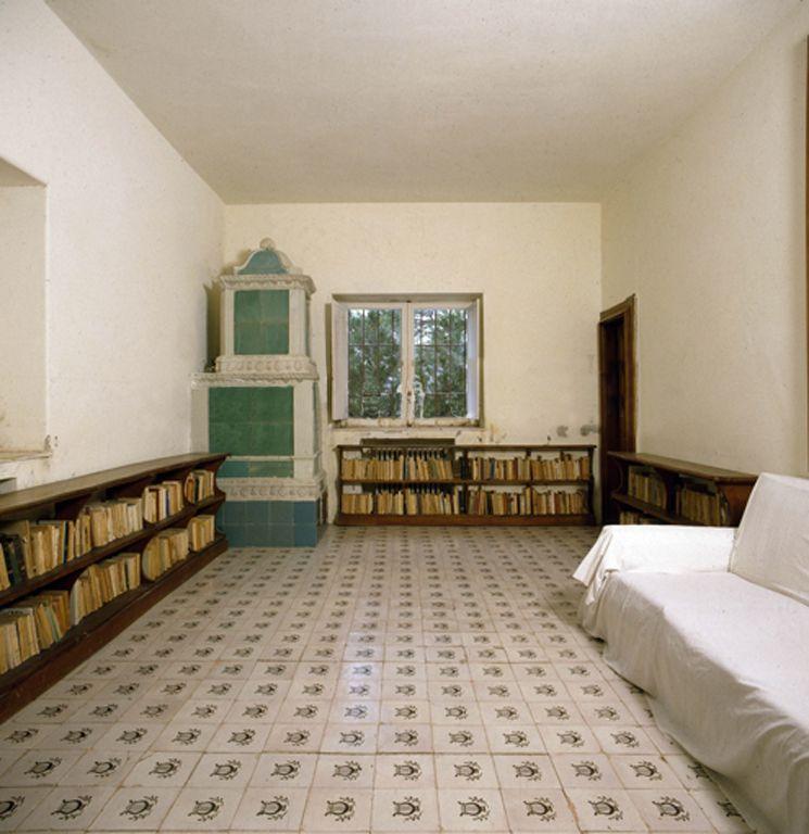 Casa malaparte casa malaparte pinterest interiors for Casa malaparte interni