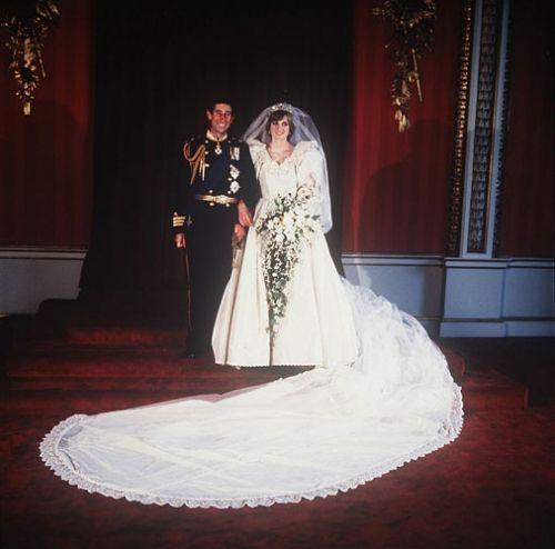 Einmal Prinzessin Sein Konigliche Hochzeitskleider Prinzessin Diana Hochzeit Konigliche Hochzeitskleider Prinzessin Diana