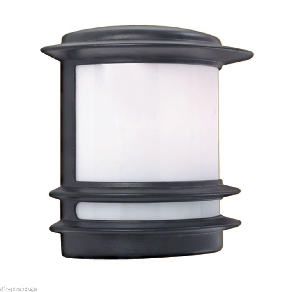 Searchlight quality bollard u lamp post black cast aluminium