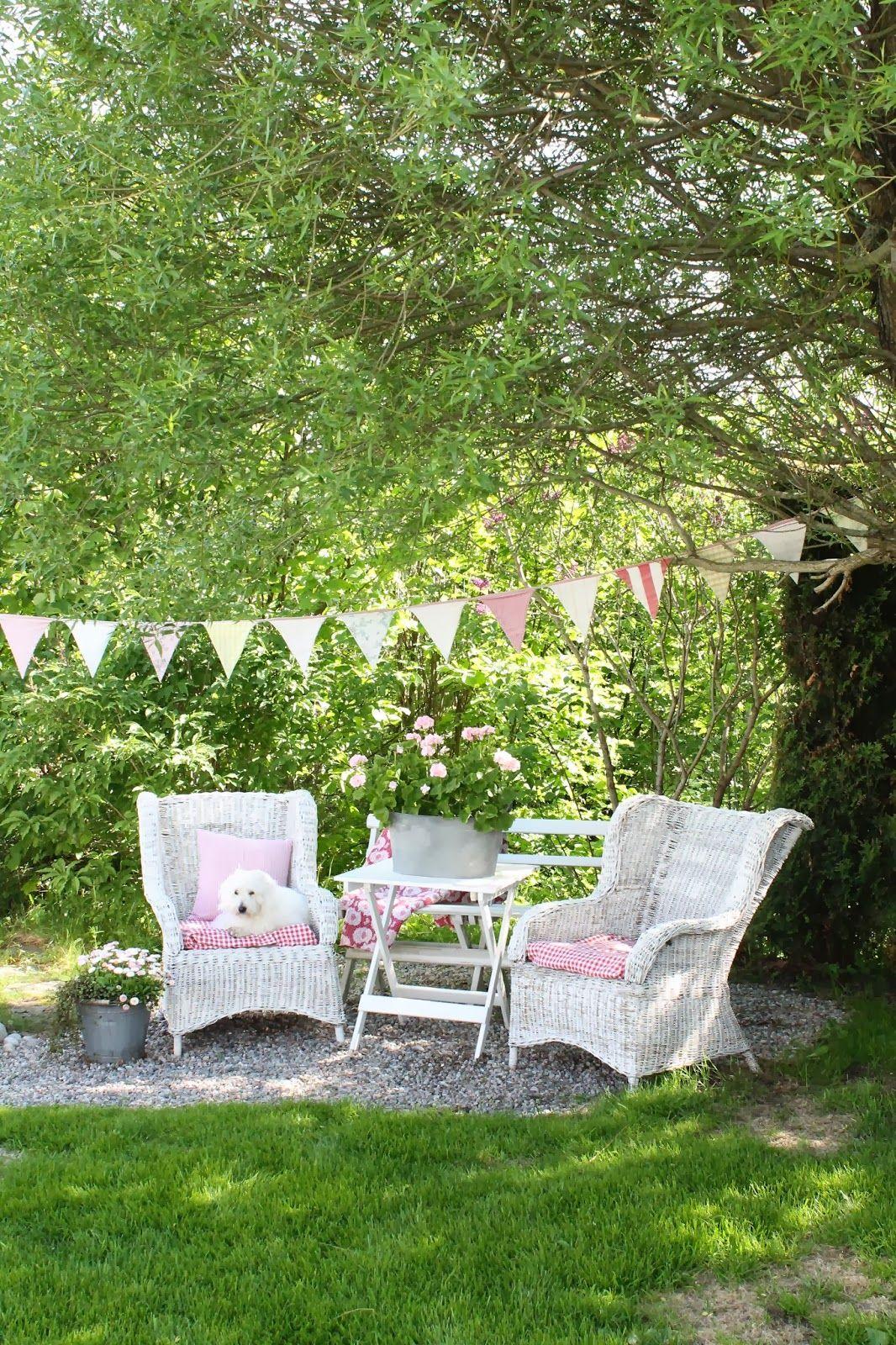 Shabby chic garden | Garden | Pinterest | Gardens, Dream garden and ...