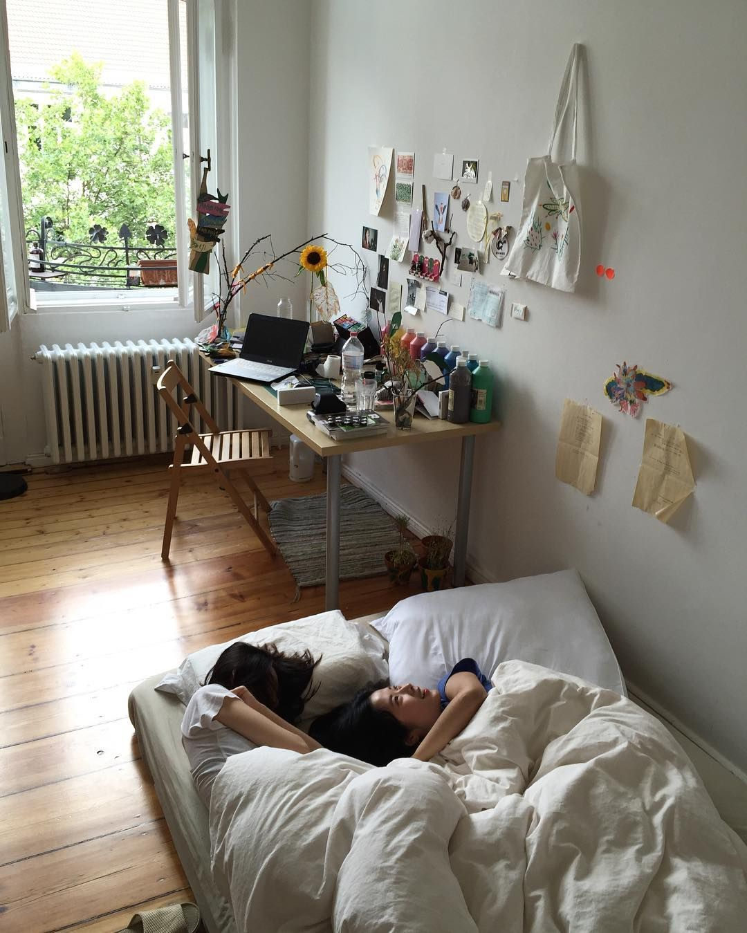 The Gentleman S Room Creating A Masculine Aesthetic: How To Create The Minimalist Dorm Room Of Your Dreams