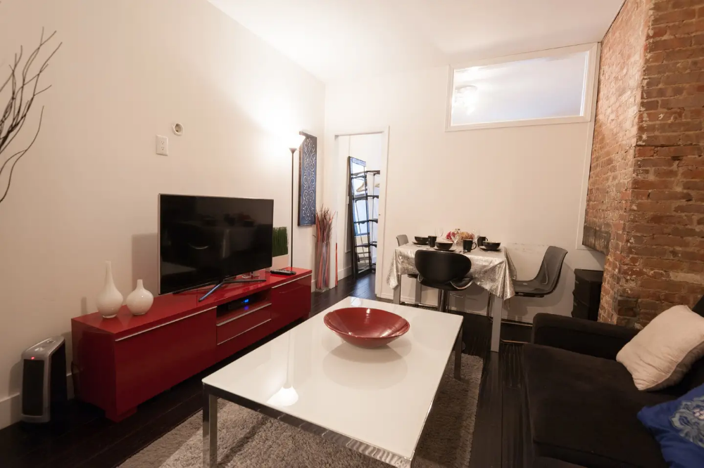 2 Bedroom Apartment in Prime Midtown West Apartments for