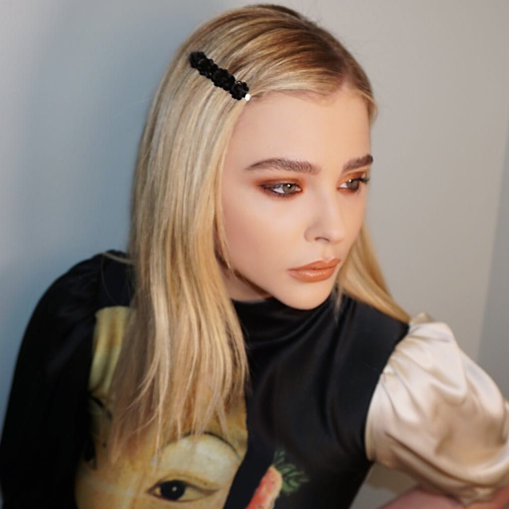 How To Wear A Barrette Hairstyles With Barrettes Hairstyle Chloe Grace Moretz