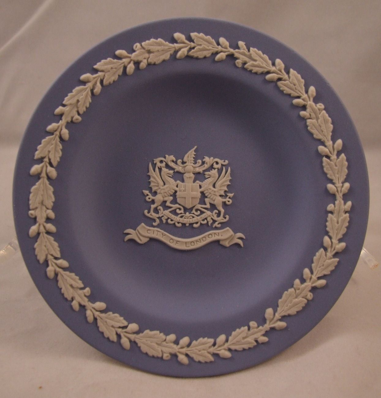 Find everything but the ordinary & Wedgwood 4.5 Inch City of London Jasperware Blue Pin Collectible ...