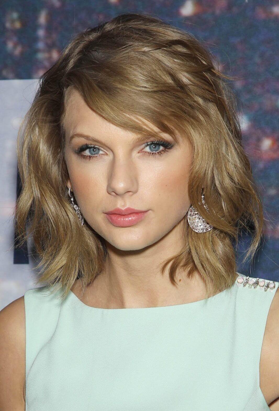Taylor Swift Haircuts 30 Taylor Swifts Signature Frisuren Haircuts Signature Swift Swifts Taylor Haarschnitt Ideen Haarschnitt Taylor Swift Haarschnitt