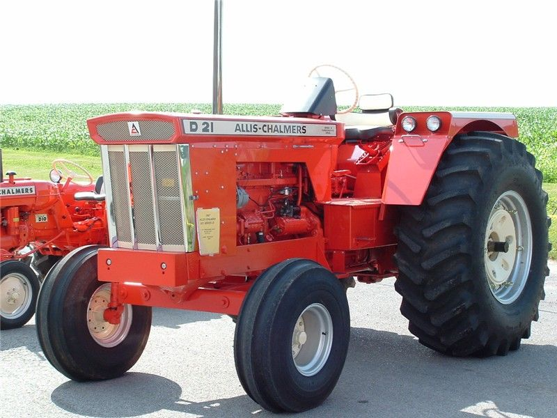 The Allis Chalmers D21 Big Ace They Came In A Series I Naturally Aspirated And A Series Ii Turbocharged Tractors Allis Chalmers Tractors Vintage Tractors