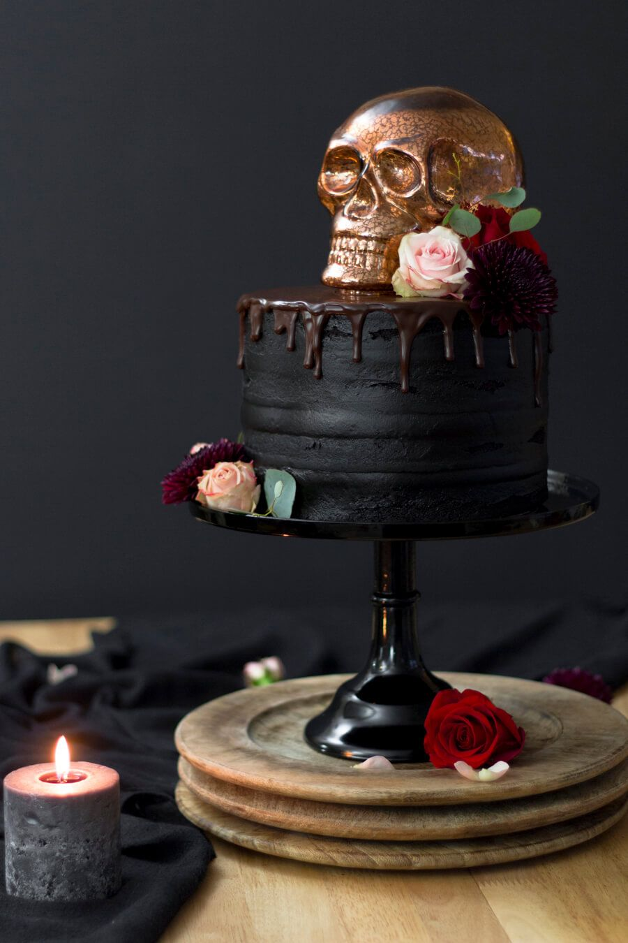 A Hauntingly Elegant Halloween Skull Cake - Designs of Any Kind #halloweencakes