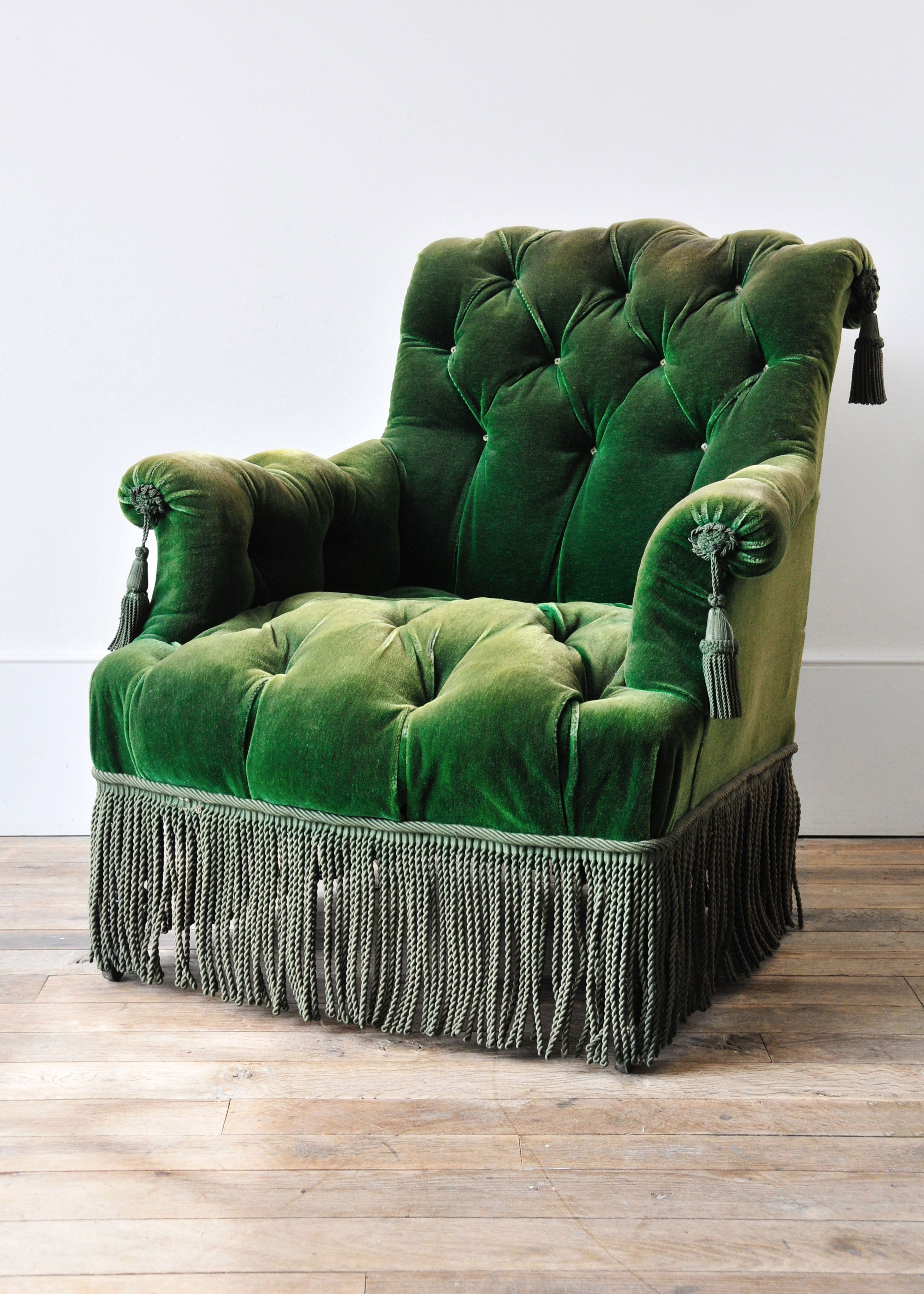 Would love to sit in this chair with a good book Green Velvet