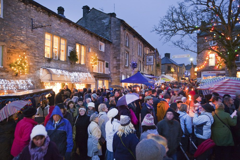 The Grassington Dickensian Festival In Yorkshire Christmas Market Yorkshire Best Christmas Markets
