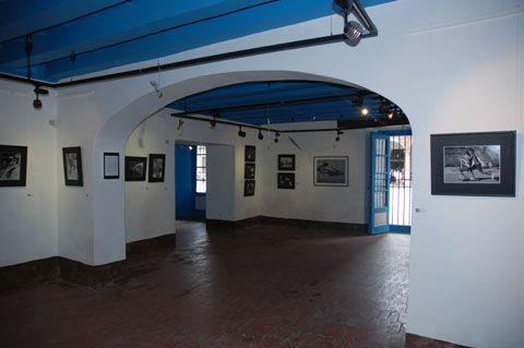 Exposición Play-callejeros del fotógrafo José Julián Martí  Para más información: http://www.quinquecuba.com/exposicion-foto-play-callejeros/