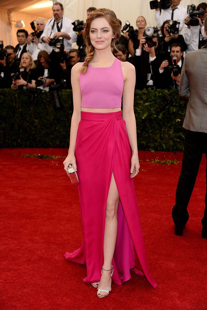 e2f87ee95 Emma Stone o cómo lucir el perfecto y más elegante color block de la noche