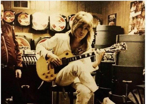 2 2 82 music city greensburg pa guitar clinic randy rhoads world 39 s greatest guitar player. Black Bedroom Furniture Sets. Home Design Ideas