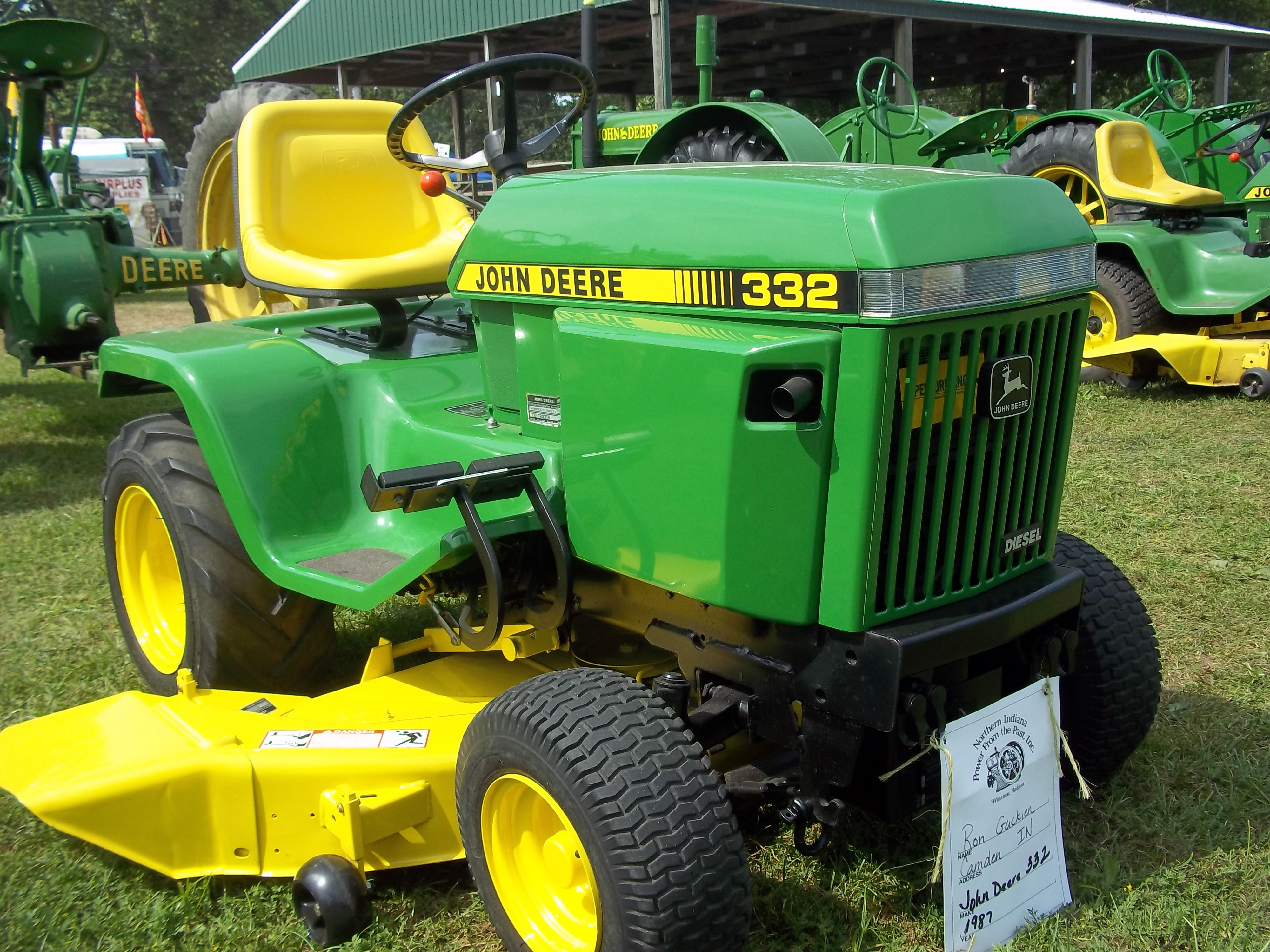 John Deere 332 >> The 3rd John Deere 332 John Deere Equipment Riding Lawn Mowers