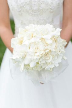 21 To Die For White On White Bouquets White Wedding Flowers