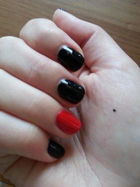 Schwarzer-Punkt-rettet-Leben  The Black Dot Campaign  Ein kleiner schwarzer Punkt - ein Hilferuf für Familie, Freunde, Kollegen und Ärzte. Alles über die 'Black Dot Campaign'.  Eigentlich ist es nur ein schwarzer Punkt. Ein kleiner schwarzer Punkt, der so viel bewegen kann. Evgeria hätte ihn vor wenigen Jahren gebraucht - als ihr Mann sie bewusstlos im Badezimmer liegen ließ, zuvor regelmäßig auf sie einschlug.  Evgeria erzählt ihre Geschichte der Organisation 'Cause of Death: Woman' - einer…