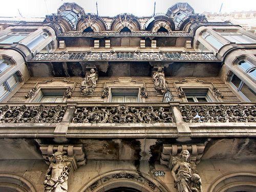 Casa Miquel Ibarz.    Architect: Salvador Soteras i Taberner. Barcelona - Diputació