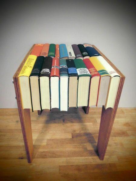Hocker buchhocker wohnen einrichten furniture books for Alte gebrauchte mobel