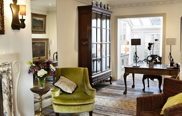 We are excited to announce a stunning new London Perfect rental! The 'Wellington' is a 3 bedroom, 3 bathroom property located in historic Old Chelsea, one of the most sought-after locations in all of London. The property dates from 1835, and is full of historic charm! #Chelsea #London #historicproperty #seelondon #visitlondon #staylondon #londonrental #londonvacation #vacation
