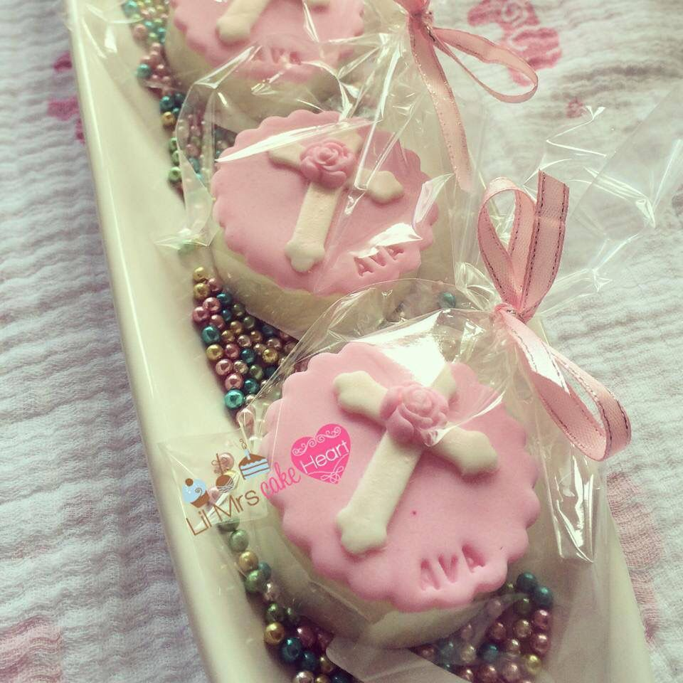 Baptism chocolate covered oreos by Lil Mrs Cake Heart. Www.facebook ...