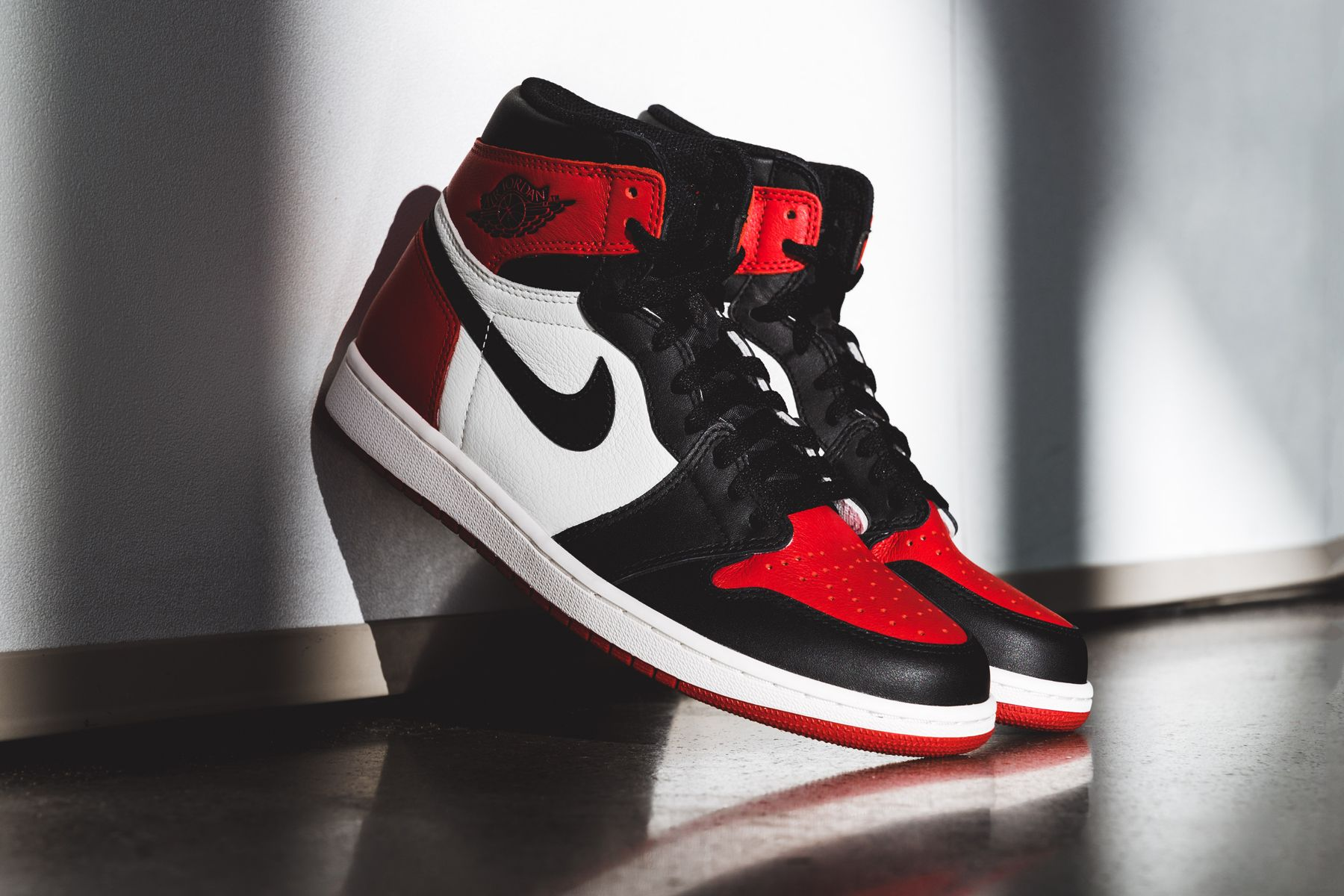Persistente información cáustico  Foot Locker Reveals the Air Jordan 1