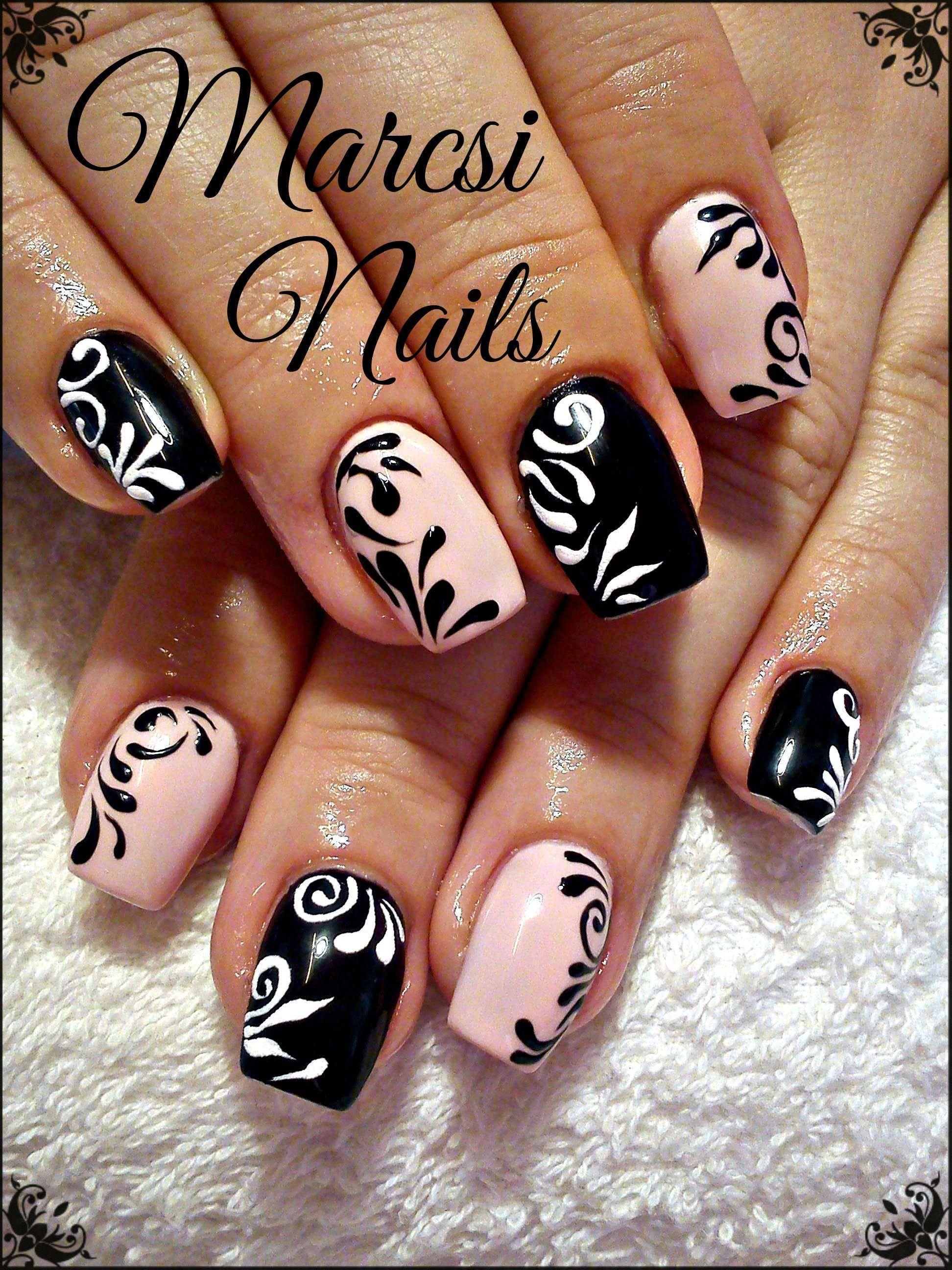 Black nail art,Black and pink nail