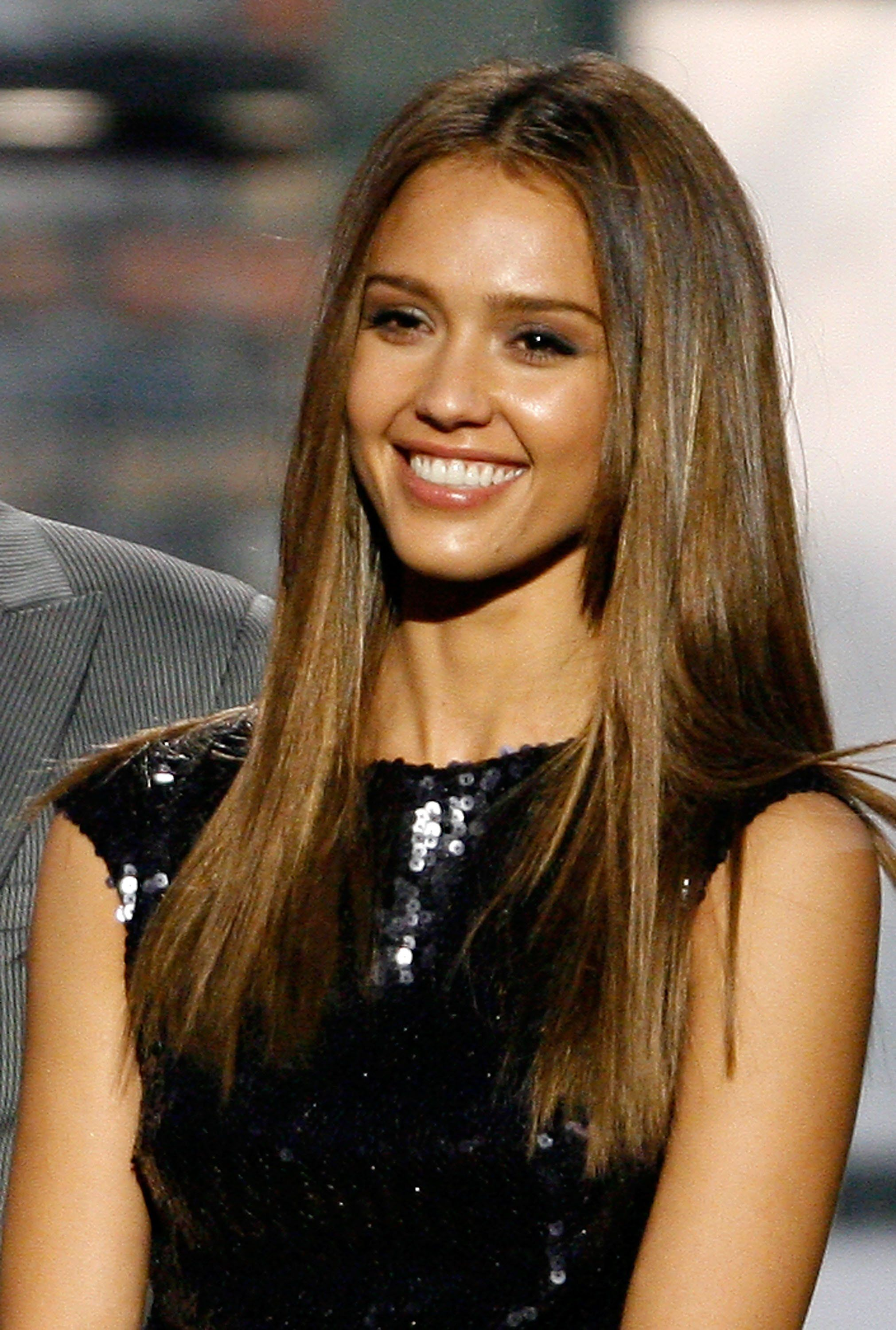 The Brunette Hair Thread Page 25 The Fashion Spot Jessica Alba Hair Brunette Hair Jessica Alba Hair Color