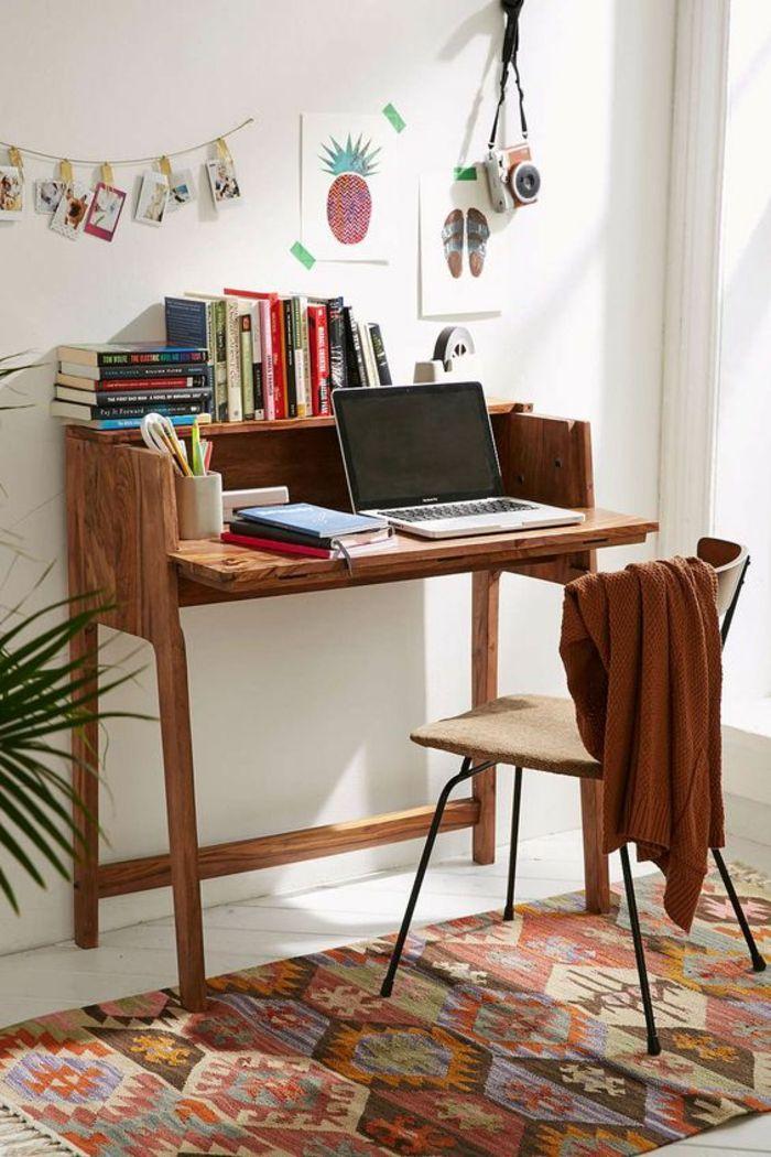 klappbarer Schreibtisch im kleinen Home Office | Büro - Büromöbel ...