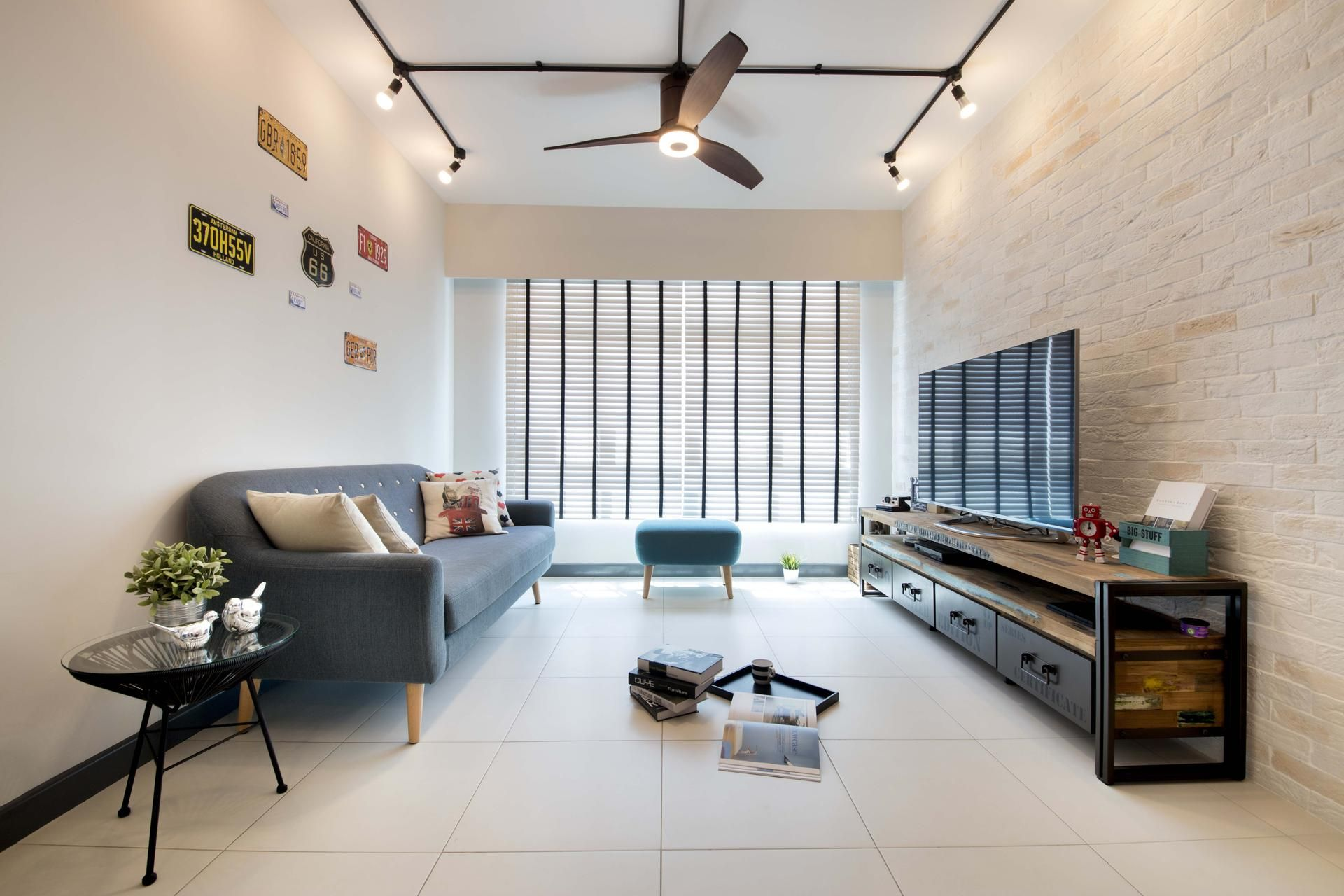 Yishun Block 317 Qanvast Home Design Renovation Remodelling Furnishing Ideas Track Lights Living Room Small Living Rooms Living Room Lighting