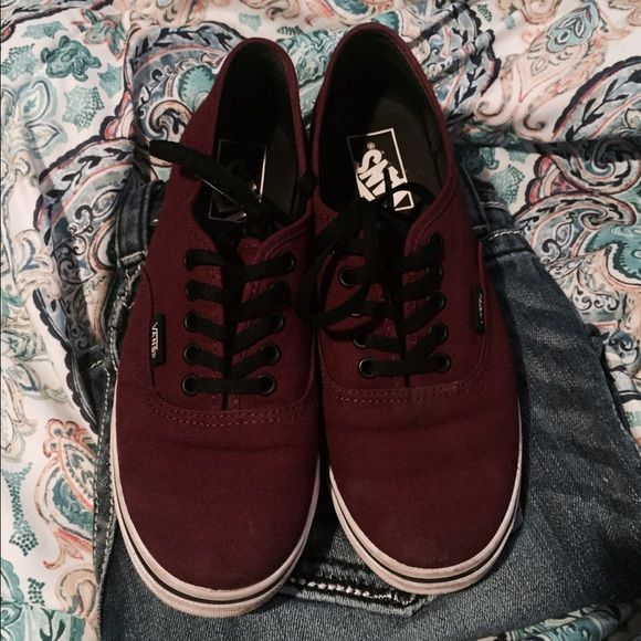 Size 7 vans fit more like a 6.5 These are in great condition I have only worn once and have the box for these! Vans Shoes Sneakers