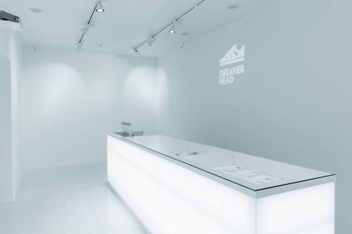 Retail Design Bureau.Sneakerhead White Store By Bureau Praktika Moscow Russia Retail