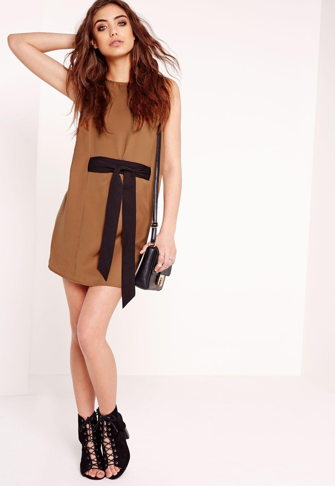 Missguided - Contrast Tie Waist Shift Dress Tan