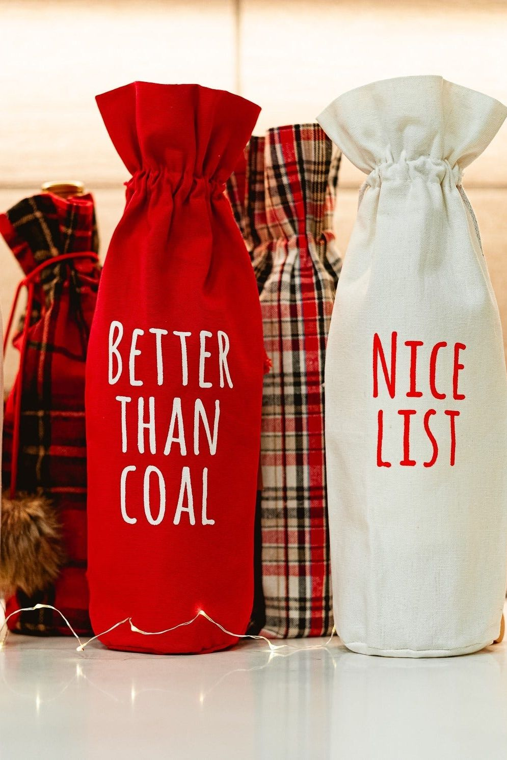 Don't show up to your next gather empty handed. Check out our favorite hostess gifts that will ensure you make it to the top of the invite list every time. #hostessgifts #gifts #giftguide #holidays #thanksgiving #giftideas