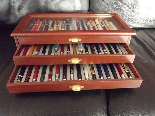 coffret en bois de 50 stylos plume collection hachette prestige coffret stylo pinterest. Black Bedroom Furniture Sets. Home Design Ideas
