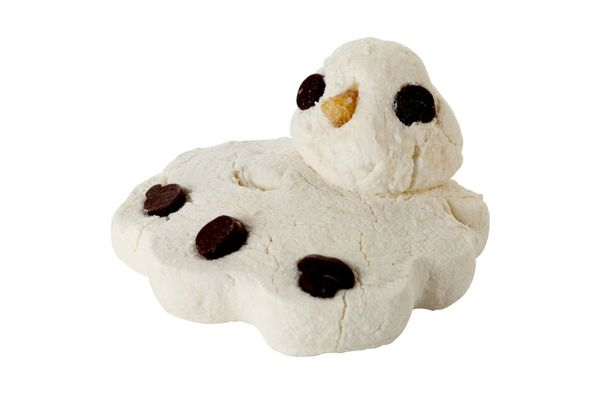 Lush Melting Snowman Bath Melt ($6, lush.ca) #holidaystockingstuffers #stockingstuffers