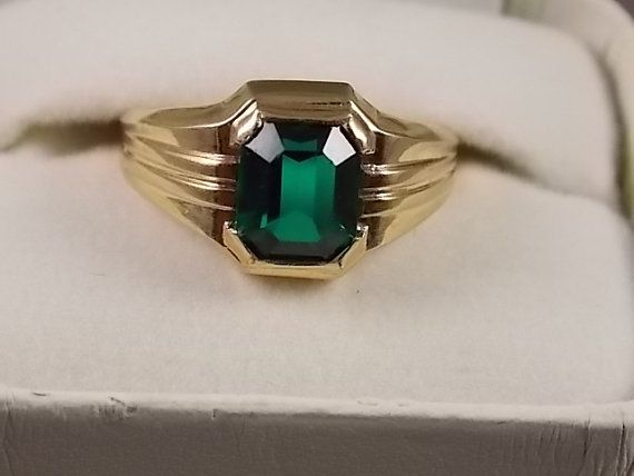 Vintage Gold Ring with Square Green Glass by estatejewelryshop