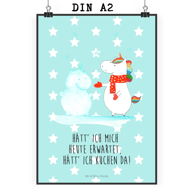 Poster DIN A2 Einhorn Schneemann aus Papier 160 Gramm  weiß - Das Original von Mr. & Mrs. Panda.  Jedes wunderschöne Poster aus dem Hause Mr. & Mrs. Panda ist mit Liebe handgezeichnet und entworfen. Wir liefern es sicher und schnell im Format DIN A2 zu dir nach Hause.    Über unser Motiv Einhorn Schneemann  Das Winter-Einhorn macht richtig Lust auf den ersten Schnee. Schon mal probiert, sich ein Ebenbild aus Schnee zu bauen? Dann wird es aber Zeit. Aber nicht den Kuchen für den Doppelgänger…