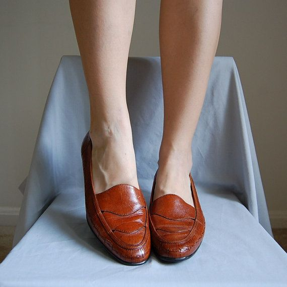 90s CHESTNUT leather pumps 95 by AdrianCompanyVintage on Etsy, $40.00