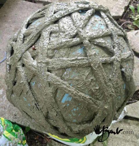 Cement Garden Art: Concrete Garden Orbs